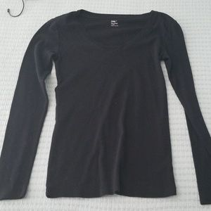 Gap v-neck long sleeve tee